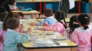 scuola-mensa-scolastica-refezione-scolastica-800x445